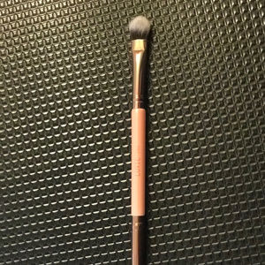Luxie 249 - Double Sided Eye Shadow Brush - New